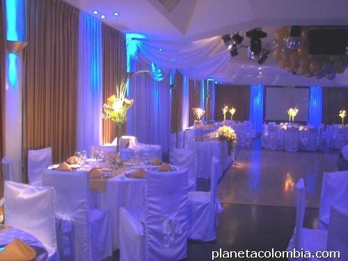 Fotos de iluminaci n led industrial residencial comercial y salones de eventos en cali - Iluminacion salon led ...