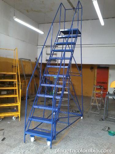 Escaleras para bodega tipo avi n tel fono for Escalera 8 metros