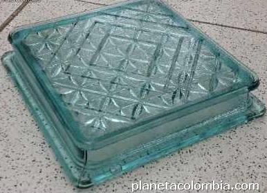 Insoluz para piso bloque de vidrio para muro claraboya for Claraboyas para techos