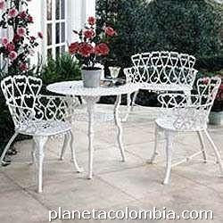 Fotos de muebles para exteriores jardines terrazas balc n for Muebles para balcon