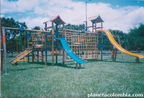 Fotos de caba as casas kioscos juegos infantiles en for Cabanas infantiles en madera