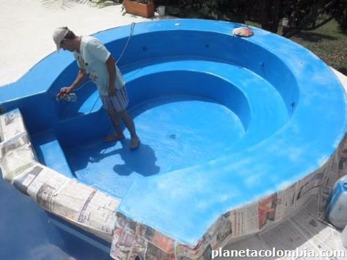Piscinas con jacuzzi piscinas con jacuzzi construye for Presupuesto para construir una piscina en colombia