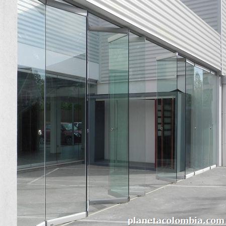 Fotos de perfileria en aluminio domos puertas divisiones for Puerta plegable aluminio