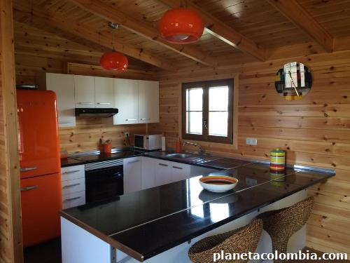 Fotos de construcci n de caba as en orillos de madera en - Fotos de casas de madera por dentro ...