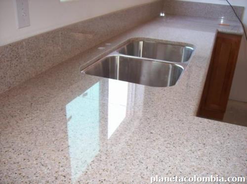 Cubiertas de cocinas en piedra granito ylavamanos en for Cocinas en granito natural