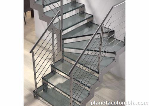 Fotos de escaleras met licas escaleras vidrio escaleras for Imagenes de escaleras metalicas