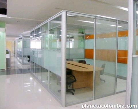 Fotos de vidrios aluminio divisiones ba os marqueter a for Cerramientos para oficinas